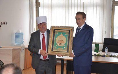 "(Shqip) Dekorata ""Myfti Vehbi Dibra"" për Prof.dr. Skender Kodra"